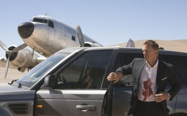 22-й фильм о легендарном секретном агенте Джеймсе Бонде Квант милосердия выходит на экраны в ноябре - Sputnik Абхазия