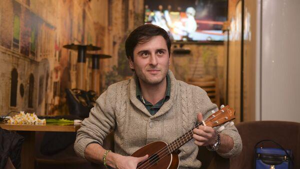 Музыкант Абзагу Марыхуба. - Sputnik Аҧсны