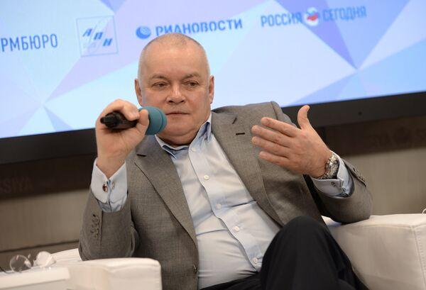 Пресс-конференция, посвященная началу Международного конкурса в области радиовещания Говорим, как Левитан - Sputnik Абхазия