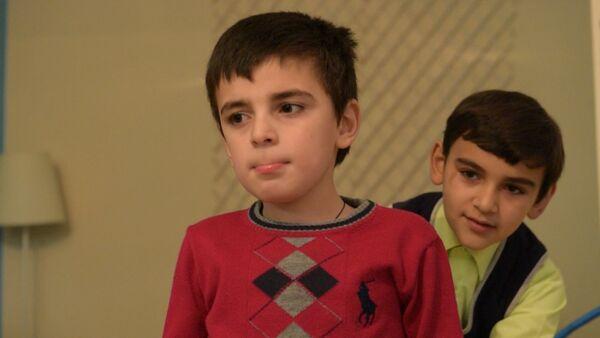 Восьмилетний Руслан Хиба страдает задержкой психоречевого развития - Sputnik Абхазия