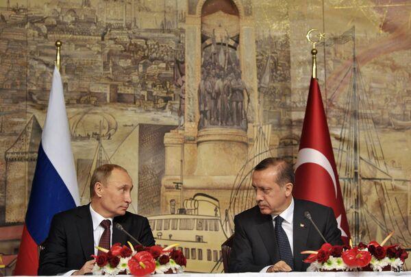 Президент России Владимир Путин и президент Турции Реджеп Тайип Эрдоган (слева направо). - Sputnik Абхазия