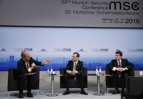 Премьер-министр РФ Д. Медведев принял участие в Мюнхенской конференции по безопасности - Sputnik Абхазия