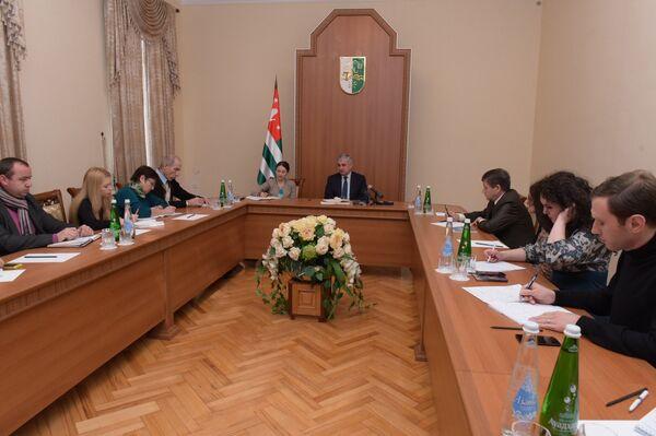 Брифинг в Администрации президента - Sputnik Абхазия