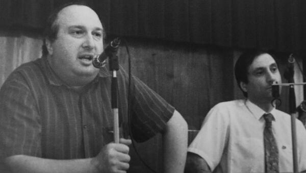 Депутаты Зураб Ачба и Сергей Шамба на пресс-конференции. Архивное фото. - Sputnik Аҧсны