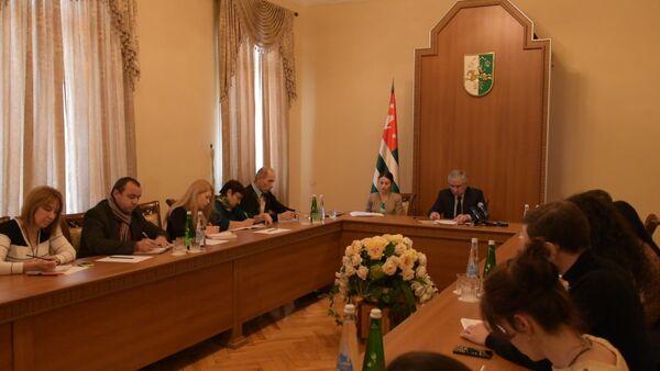 Хаджимба рассказал об итогах встречи с Путиным в Ново-Огарево - Sputnik Абхазия