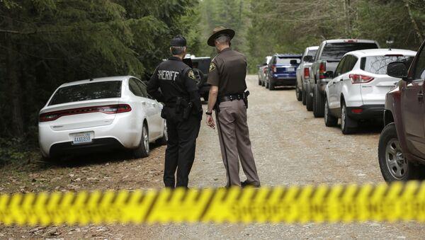 Полиция на месте убийства в США. - Sputnik Абхазия