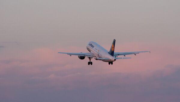 Самолет Airbus авиакомпании Lufthansa - Sputnik Абхазия