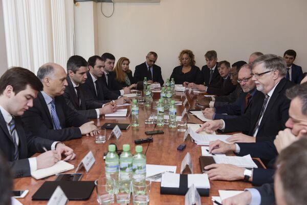 Встреча сопредседателей женевских дискуссий в МИД РА. Фото с места события. - Sputnik Абхазия