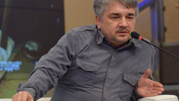 Президент украинского Центра системного анализа и прогнозирования Ростислав Ищенко - Sputnik Абхазия