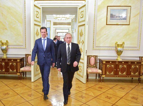 Президент России В.Путин и президент Сирии Б.Асад. Архивное фото - Sputnik Абхазия