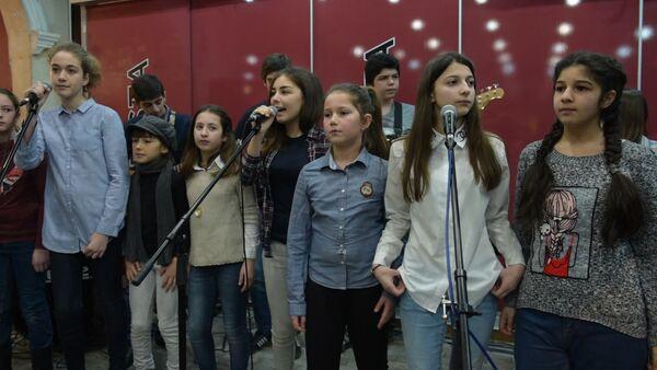 На пятничном вечере Barista time выступил музыкальный театр Каданс - Sputnik Абхазия