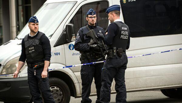 Полиция на у станции метро Мальбек в Брюселе. - Sputnik Абхазия