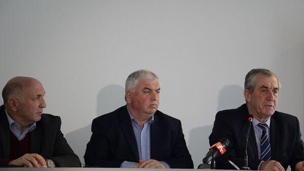 Аслан Кобахия прокомментировал желание оппозиции провести референдум - Sputnik Абхазия