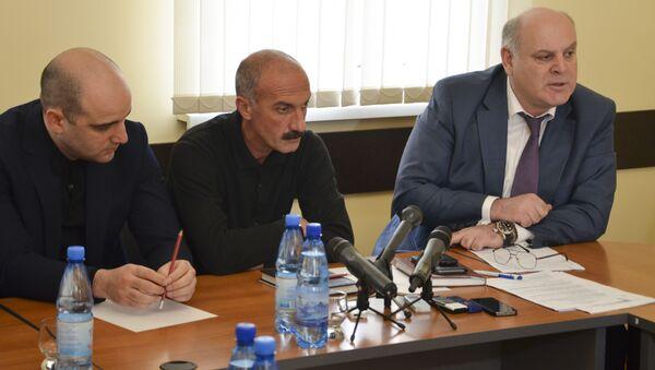 Встреча с представителями оппозиции в общественной палате. - Sputnik Абхазия