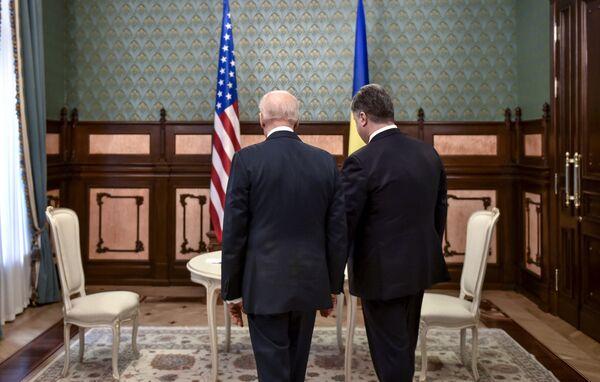 Встреча президента Украины П.Порошенко и вице-президента США Д.Байдена - Sputnik Абхазия