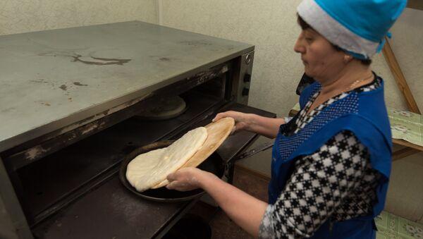 Как пекут самые вкусные пироги в Южной Осетии - Sputnik Абхазия