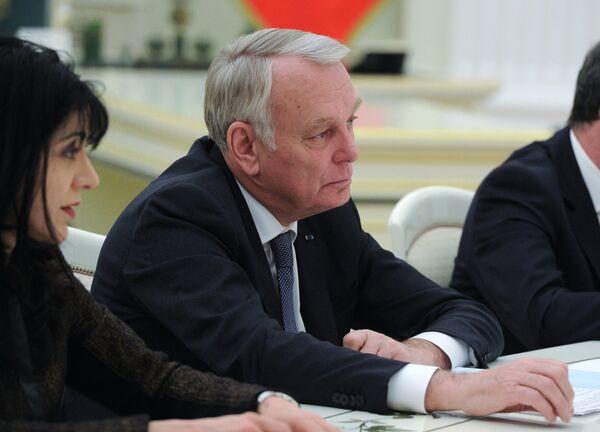 Президент РФ В. Путин встретился с главой МИД Франции Жан-Марком Эйро - Sputnik Абхазия