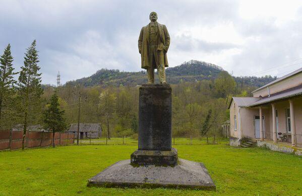 Памятник Ленину в Блабырхуа - Sputnik Абхазия