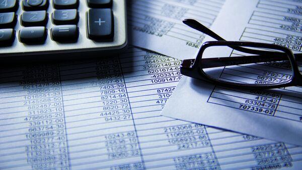 Калькулятор и очки, график планирования экономики  - Sputnik Абхазия