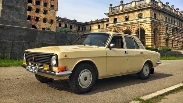 Первый служебный автомобиль первого президента Абхазии Владислава Ардзинба. - Sputnik Абхазия
