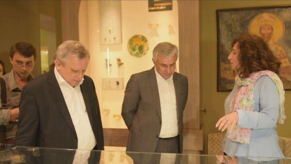 Президент Абхазии открыл средневековые залы Госмузея - Sputnik Абхазия