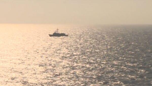 Самолеты и корабли ведут поиск пропавшего лайнера EgyptAir. Кадры операции - Sputnik Абхазия