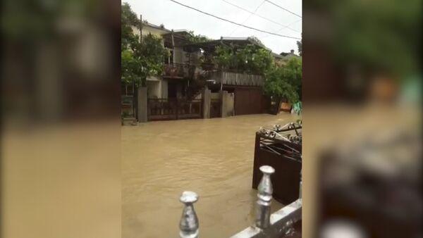 Река Басла вышла из берегов и затопила близлежащие дома - Sputnik Абхазия