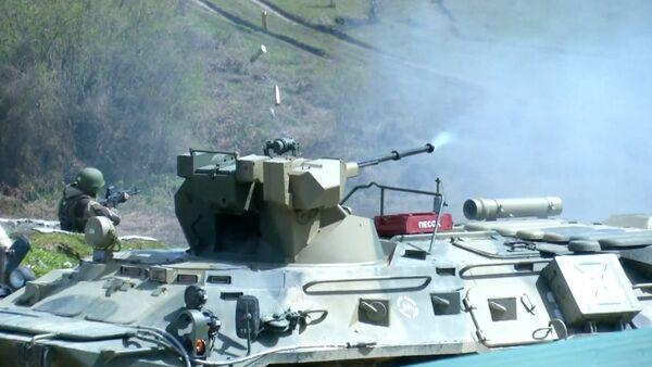 Российские военные в Абхазии палили  из всех стволов - Sputnik Абхазия