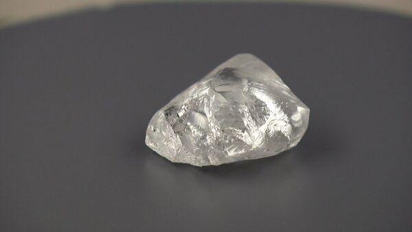 Алмаз весом 207,29 карата: как выглядит найденный в Якутии уникальный камень - Sputnik Абхазия