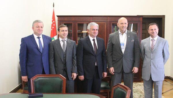 Президент Абхазии принял делегацию ConIFA - Sputnik Абхазия