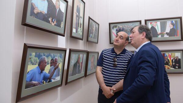 Открытие фотовыставки памяти С.В. Багапш - Sputnik Абхазия