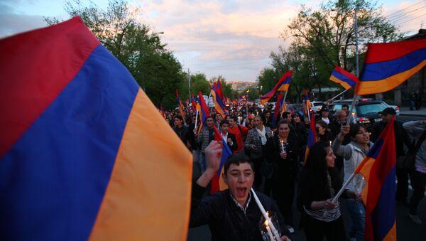 Факельное шествие в память жертв геноцида в Армении - Sputnik Абхазия