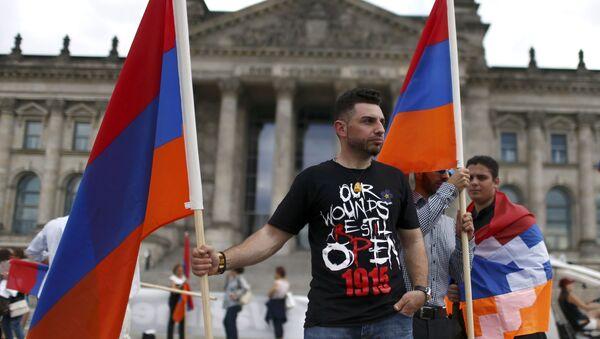 Митинг перед зданием Рейхстага в Берлине - Sputnik Абхазия