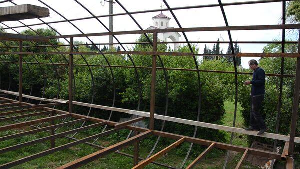Лыхненский художник строит выставочный зал у себя во дворе - Sputnik Абхазия