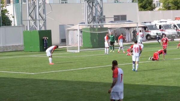Кадры серии пенальти, определившей матч киприотов и корейцев на ЧМ ConIFA. - Sputnik Абхазия