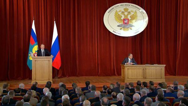 Путин на совещании с послами: Украина, отношения с Турцией и Brexit - Sputnik Абхазия