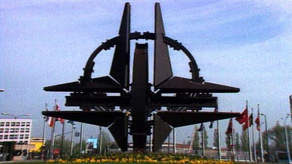НАТО смотрит на Восток. Кадры из архива - Sputnik Абхазия