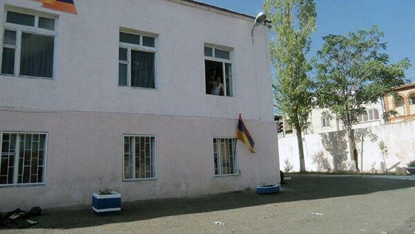 Вооруженная группировка захватила здание полка ППС в Армении - Sputnik Абхазия