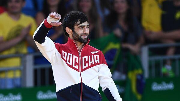 Беслан Мудранов (Россия), победивший в мужских соревнованиях по дзюдо в первый день олимпиады в Рио. - Sputnik Абхазия