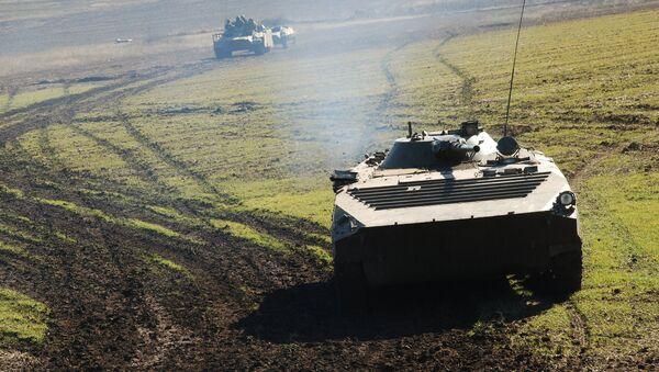 Военная техника ополчения ДНР на линии разграничения. Архивное фото - Sputnik Абхазия