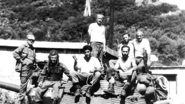 Члены экипажа танка Т55 Сасрыква - Sputnik Абхазия