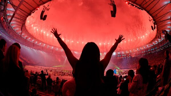 На стадионе Маракана во время церемонии закрытия XXXI летних Олимпийских игр. - Sputnik Абхазия