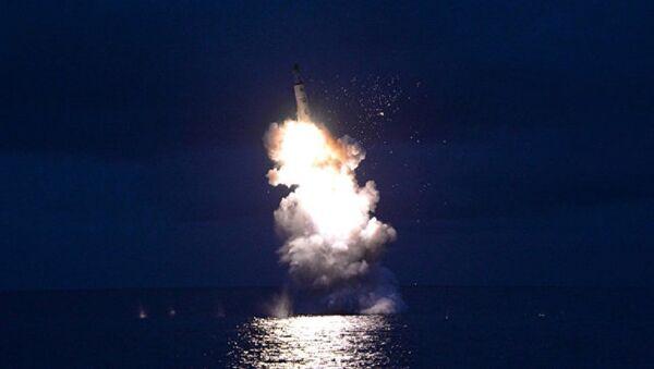 Пуск баллистической ракеты в КНДР. Архивное фото - Sputnik Абхазия