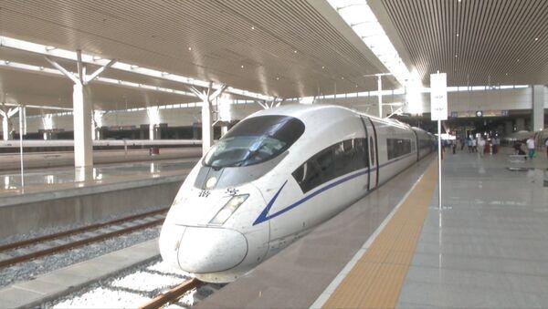Самый быстрый серийный пассажирский поезд в мире отправился в первый рейс - Sputnik Абхазия