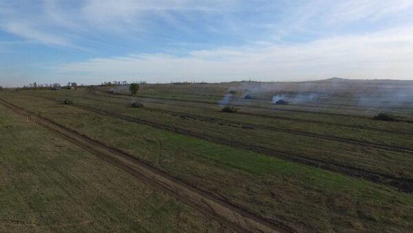 Военные учения в самопровозглашенной ЛНР. Съемка с дрона - Sputnik Абхазия