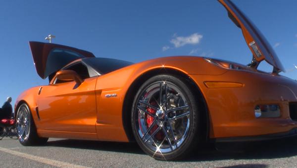 Рев моторов и блеск хрома – в США прошел парад всех моделей Chevrolet Corvette - Sputnik Абхазия