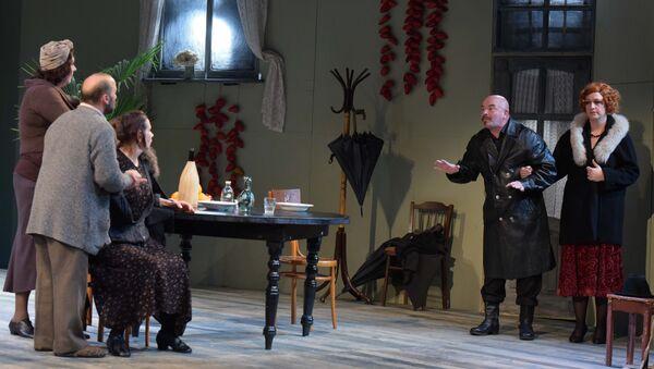 Премьера спектакля Рождество в доме Купьелло в Русском театре - Sputnik Абхазия