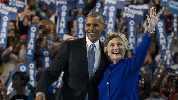 Архивное фото Президента США Барак Обама и кандидата в президенты США от демократов Хиллари Клинтон - Sputnik Абхазия