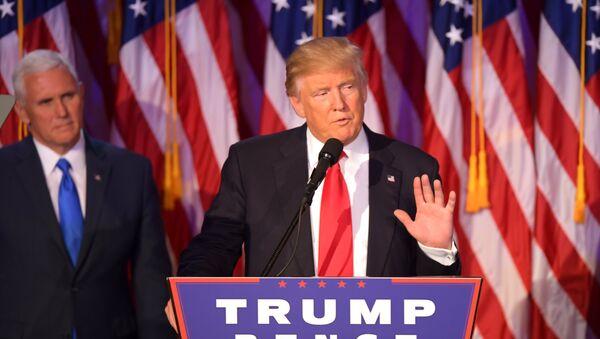 Избранный президент США Дональд Трамп во время выступления в Нью-Йорке 9 ноября - Sputnik Абхазия
