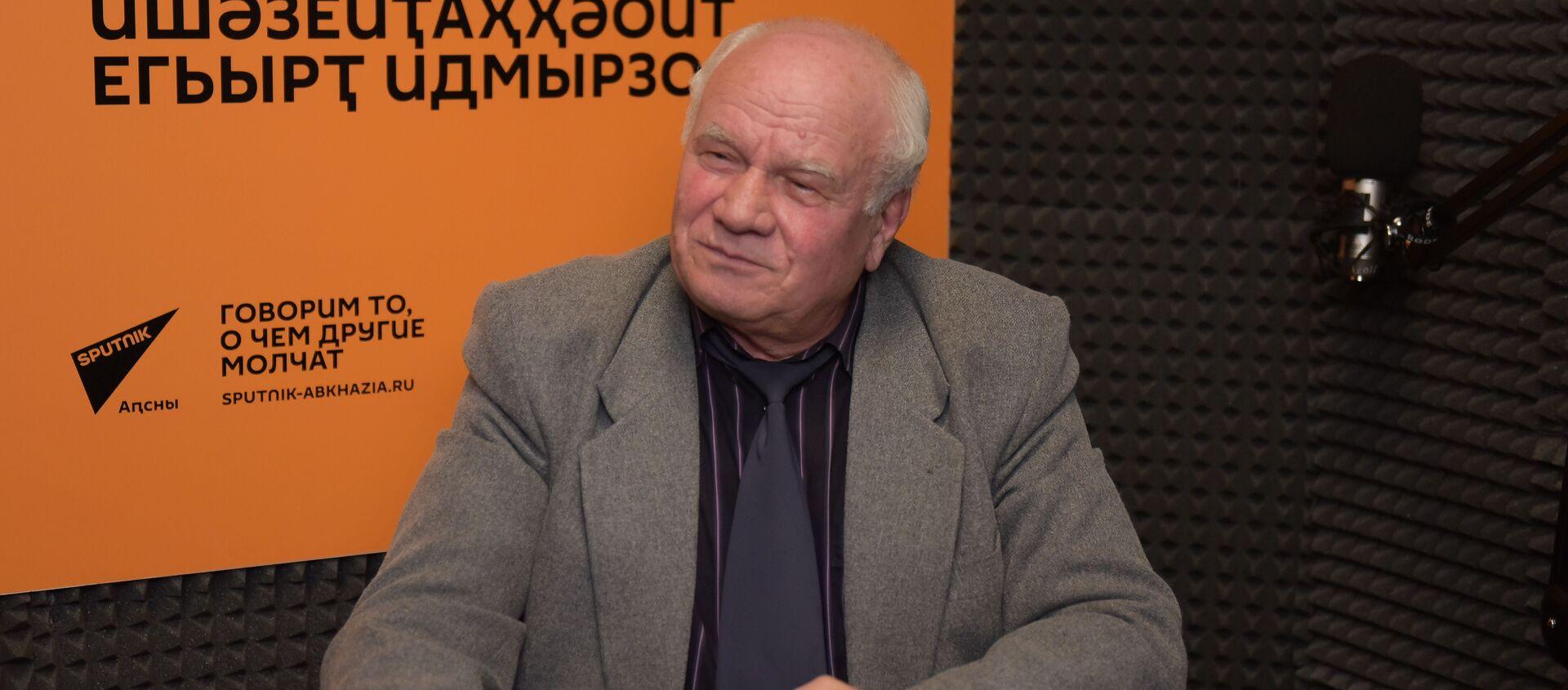 Даниил Убирия на радио Sputnik - Sputnik Аҧсны, 1920, 11.08.2021